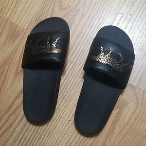 Like new Victoria's SECRET sport cheetah slides
